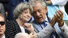 ศาสตราจารย์มักกอนนากัล และ แกนดาล์ฟ มีช่วงเวลาสนุกสนานร่วมกันในการแข่งขันวิมเบิลดัน