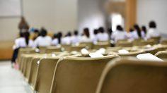 นักศึกษาสมัครเข้าเรียน มหาวิทยาลัยทั่วประเทศ