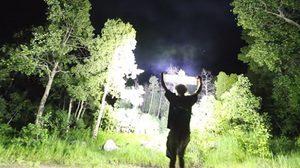 แม่เจ้า!!! ไฟฉายที่สว่างที่สุดในโลก สว่างทะลุป่า
