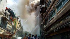 ไฟไหม้อาคาร ภายในซอยมังกร ถนนเยาวราชกำลังควบคุมเพลิง
