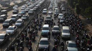 สุดโหด!! คนอินโดฯ เสียชีวิต 18 ศพ จากเหตุรถติดนาน 20 ชม.