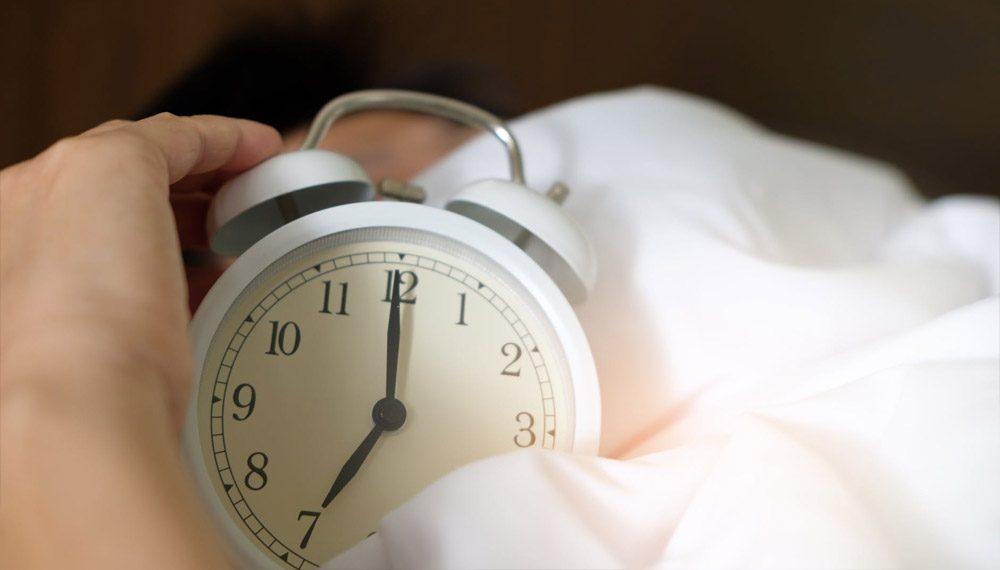 กดเลื่อนนาฬิกาปลุก อาจทำร้ายสุขภาพได้มากกว่าที่คิด