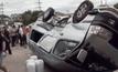 กระบะชนรถรับส่งนักเรียน เจ็บ 5 คน