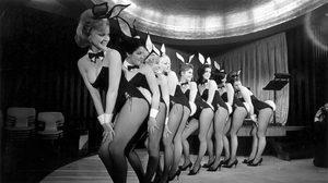 เซ็กซี่มาตั้งแต่รุ่นพ่อ!! เปิดภาพยุคแรกของสาวๆ Playboy Bunny ในยุค 60