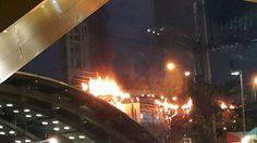 ระทึก! ไฟไหม้สายไฟ หน้าห้างยูเนี่ยนมอลล์ เจ้าหน้าที่เร่งแก้แล้ว