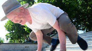 ลุงวัย 79 จากประเทศจีน ออกกำลังกาย สุดฟิต จนคนวัยหนุ่มยังต้องอาย