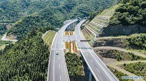 จีนสร้างถนน 8,116 กม. ดึงชนบทเข้าถึงระบบขนส่ง