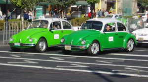 ชาวเม็กซิกัน กำลังพัฒนา รถแท็กซี่ระบบไฟฟ้า แทนที่การใช้น้ำมันแล้ว