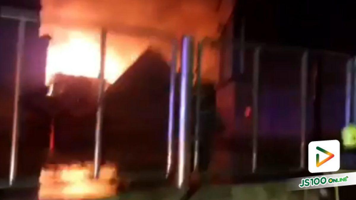 เพลิงไหม้บ้านในชุมชนหลังวัดกัลยาณมิตรวรมหาวิหาร ย่านอรุณอมรินทร์ เสียหายหลายหลัง