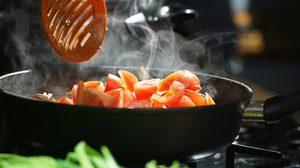 วิธี กำจัดกลิ่นอาหาร ในคอนโดแบบง่ายๆให้หายเกลี้ยง