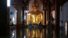 โบสถ์กลางน้ำโผล่ที่พะเยา หลังฝนถล่มหนัก จนน้ำทะลักท่วมระบายไม่ทัน
