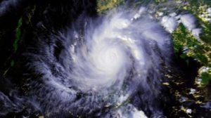 ประกาศ! พายุไต้ฝุ่นขึ้นฝั่ง กระทบฮ่องกง แนะกักตุนอาหาร-พลังงานจำเป็น