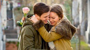 7 เรื่องน่ารำคาญ ของ คู่รักที่คบกันใหม่ๆ ที่คนรอบข้างรู้สึกได้