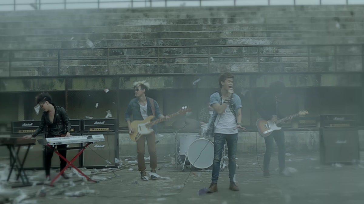 หัวใจไม่พอเจ็บ - Twenty Town [Official MV]