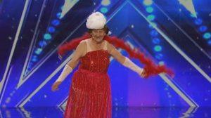 คุณยายวัย 90 โชว์ระบำเปลื้องผ้า ใน America's Got Talent!