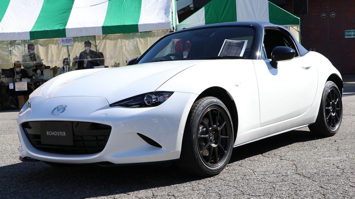 Mazda MX-5 990S Edition รีดน้ำหนักให้เหลือ 990 กก. จัดหนักความสปอร์ตแบบเพียว ๆ