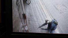 โจรหวังปล้นห้างทอง แต่พลาดเปิดล็อคประตูไม่ได้