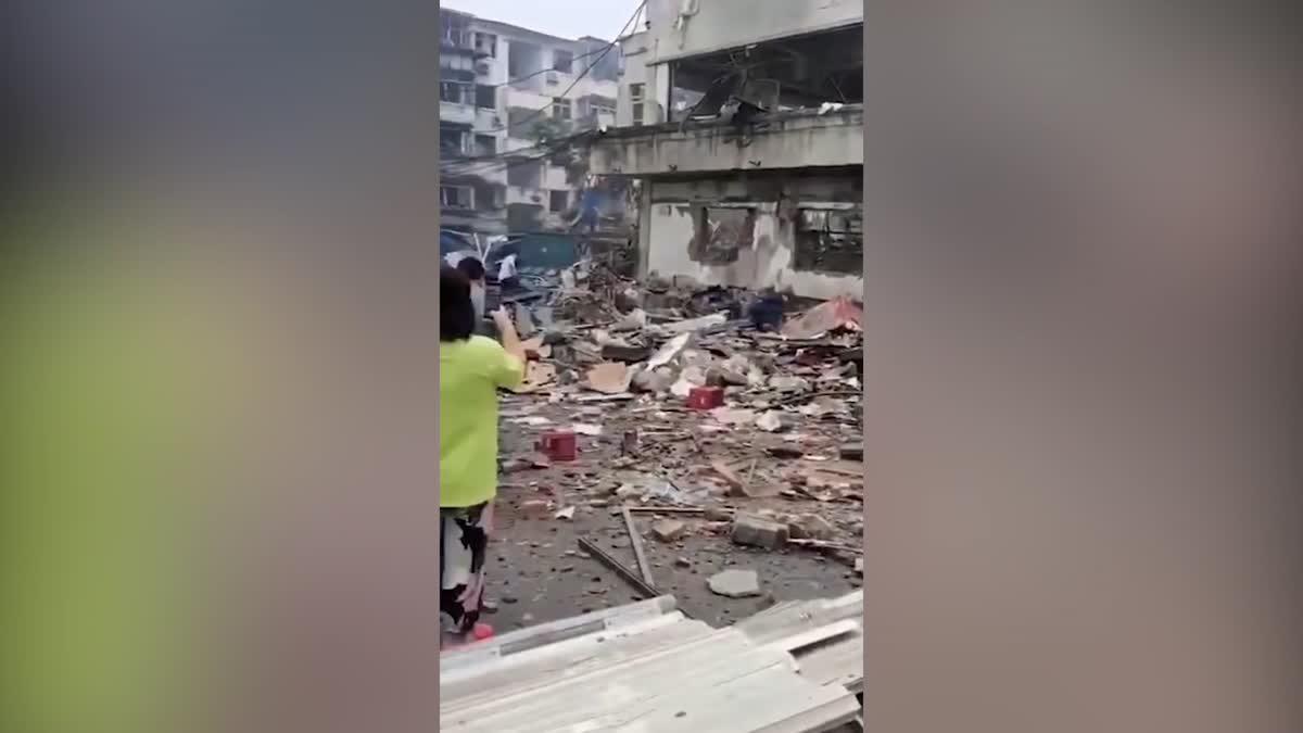 เหตุก๊าซระเบิดในหูเป่ย, จีน เสียชีวิตแล้ว 12 / บาดเจ็บกว่า 100
