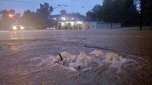 พายุถล่ม ! ทำ หลุยเซียน่า สหรัฐฯ น้ำท่วมหลายพื้นที่