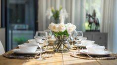 เคล็ดลับแต่ง โต๊ะกินข้าว ให้สวยเก๋ในแบบฉบับง่ายๆ