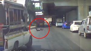 ชายกระโดดขวางหน้ารถพ่วง ถูกทับบาดเจ็บสาหัส อ้างอยากตาย