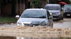 """พายุ """"เซินกา"""" ถล่มขอนแก่นทั้งวัน ส่งผลให้เกิดน้ำท่วมทั้งเมือง"""
