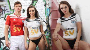 สโมสรฟุตบอลในสกอตแลนด์เปิดตัวชุดแข่งฤดูกาลใหม่ ด้วยการจ้าง นางแบบ มาบอดี้เพ้นท์!!!