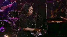 Norah Jones โชว์ร้อง-บรรเลงเปียโน Don't Be Denied สะกดแฟนเพลง