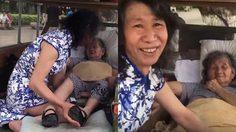 หนุ่มจีนแต่งหญิง เป็นพี่สาวที่ตายแล้วของตัวเองกว่า 20 ปี เพื่อช่วยรักษาอาการซึมเศร้าแม่