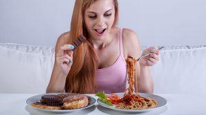 วิถีคนอ้วนที่แท้ทรู! มาดู 7 พฤติกรรมการกินแบบผิดๆ ที่จะทำให้คุณอ้วนได้แบบงงๆ
