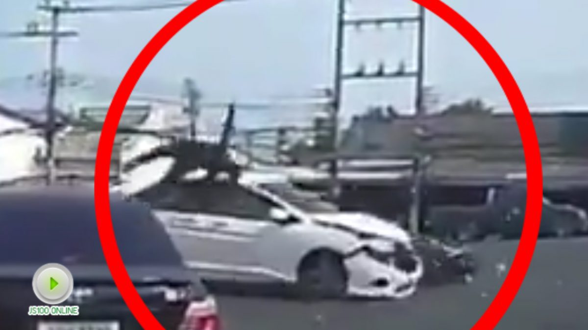 คลิป รถจักรยานยนต์กลับรถตัดชนรถเก๋งเต็มๆ หวาดเสียว!!
