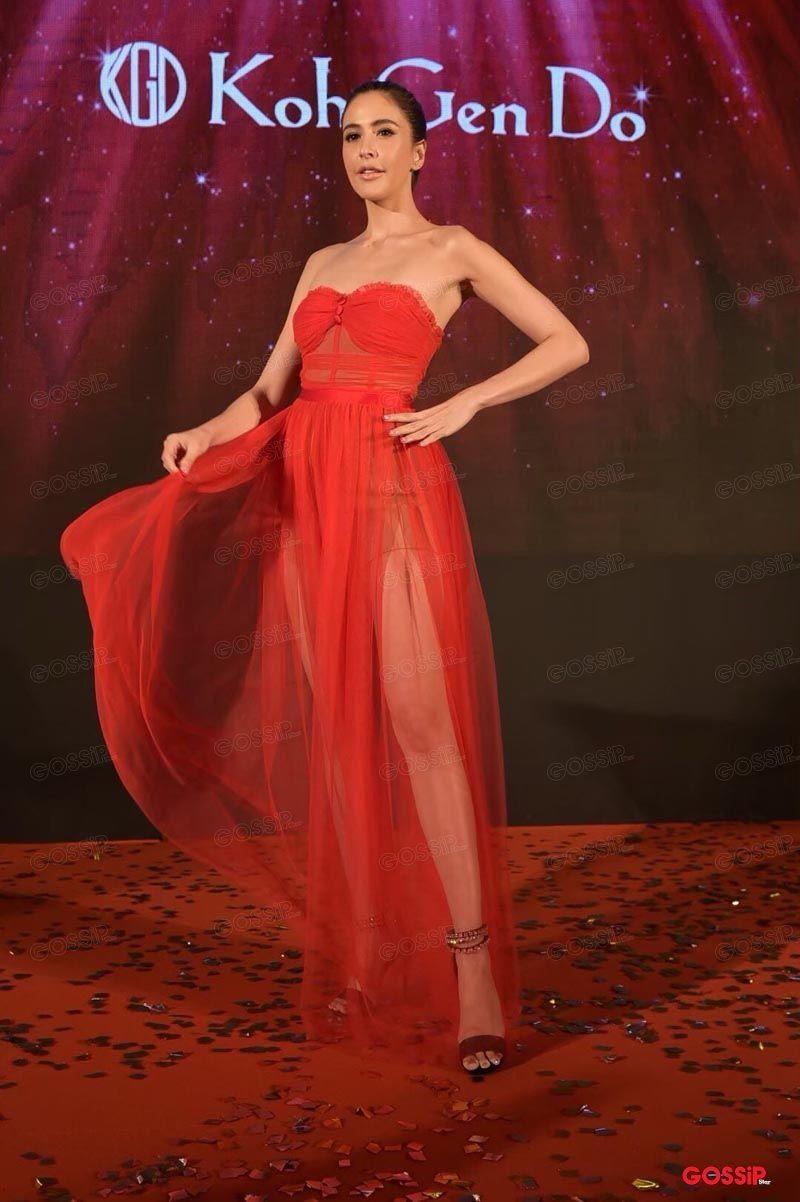 ศรีริต้า เจนเซ่น กับชุดแดงสะบัดเบาๆ