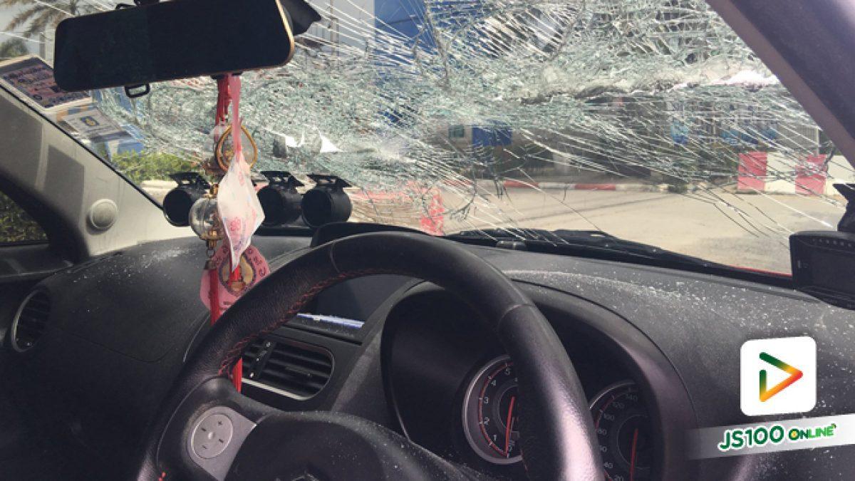 คลิปโซ่รถเครนขาดเหวี่ยงมาโดนกระจกหน้ารถคันเจ้าของคลิป (02-08-62)