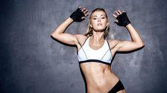 10 ชุดออกกำลังกาย ที่สาวรักสุขภาพควรมีติดบ้านไว้
