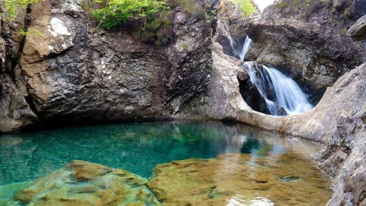 สระว่ายน้ำของนางฟ้า (Fairy Pools) ประเทศสกอตแลนด์
