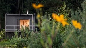 บ้านเดี่ยวชั้นเดียว กระท่อมในฝันขนาด 150 ตร.ฟุตเล็กแต่อบอุ่น
