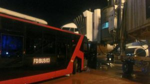 แอร์เอเชีย แจงเหตุรถบัสขนส่งในลานจอดชนส่วนหน้าเครื่องบิน สนามบินดอนเมือง