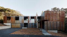 มาดู! บ้านเดี่ยวสองชั้น ประหยัดพลังงาน สร้างจากเหล็ก คว้ารางวัลออกแบบยอดเยี่ยม