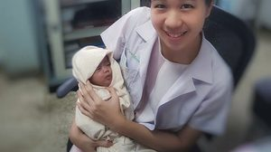 หมอสาวเล่าเรื่องราวเรียกรอยยิ้ม เด็ก 9 ขีด ที่หมอ-พยาบาลร่วมใจสู้จนรอดปาฏิหาริย์