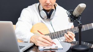 ดนตรีบำบัดคลายเครียด บรรเทาปวดได้ผล จุฬาฯ ต่อยอด เปิดสาขาวิชาดนตรีบำบัด เพิ่มนักเยียวยาในสังคม