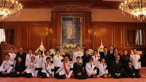 กต.เผยภาพ ชาวไทยร่วมพิธีถวายดอกไม้จันทน์จุดสำคัญในต่างแดน