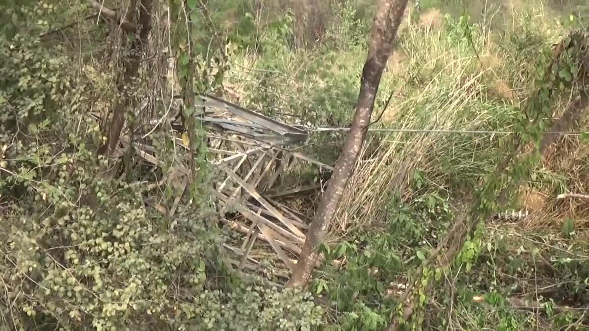 ด่วน เกิดดินสไลด์ปิดถนนยาวกว่าหนึ่งร้อยเมตร วัวชาวบ้านสูญหายกว่า100ตัว