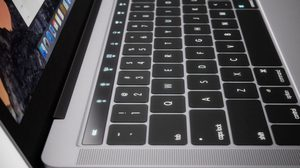 ล้ำ!! MacBook Pro รุ่นใหม่จะมาพร้อม ปุ่ม Touch ID สแกนลายนิ้วเพื่อเปิดเครื่อง