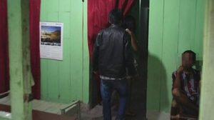 ผู้แสวงบุญในอินโดฯ ขึ้นเขาร่วมพีธี 'เซ็กซ์หมู่' เชื่อทำให้มีโชคลาภ