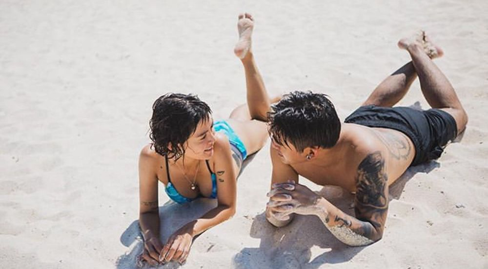 หาดทราย สายลม และสองเรา