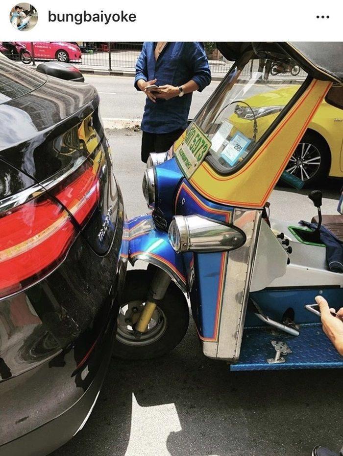 บุ้ง ใบหยก โพสต์ภาพอุบัติเหตุโดนชนท้ายรถ