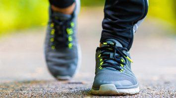 ประโยชน์ของการเดิน มาดูกันหน่อยว่าข้อดีจากการออกกำลังกายด้วยการเดินมีอะไรบ้าง