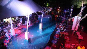 บุกทลาย! ปาร์ตี้มั่วยาริมสระน้ำ บนเขาพระตำหนัก ฉี่ม่วง 150 คน ยาเสพติดเกลื่อนพื้น