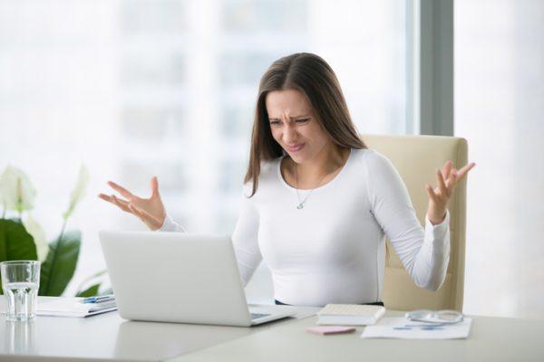 อยากรู้ไหม? ทำไมผู้หญิงถึงปวดท้อง หงุดหงิดง่ายก่อน ประจำเดือนมา