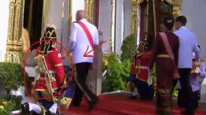 เพจตำรวจเผยที่มา ปืนสีทอง ของตำรวจหลวง งานพระราชพิธีบรมราชาภิเษก